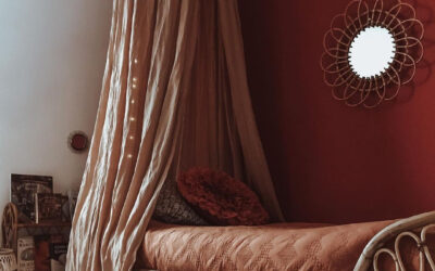 THE COLOUR BURGUNDY IN GIRLS' ROOMS