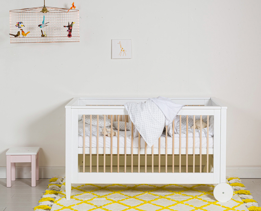 Isle of Dogs baby cot