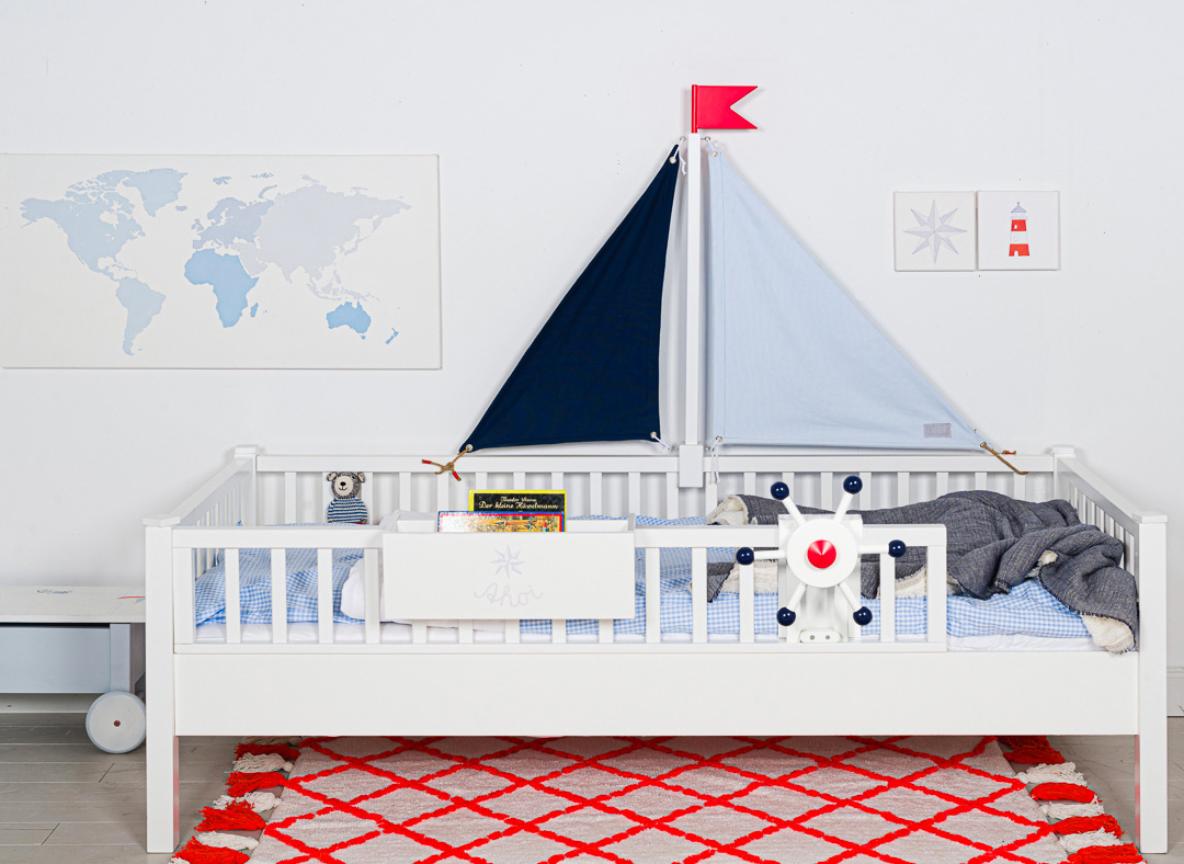 Isle of Dogs sailboat kids bed