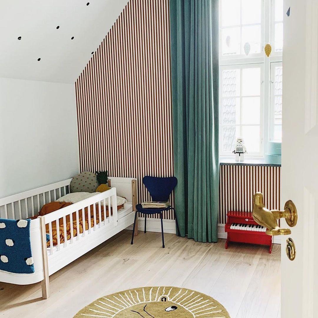 striped wallpaper for kid's room