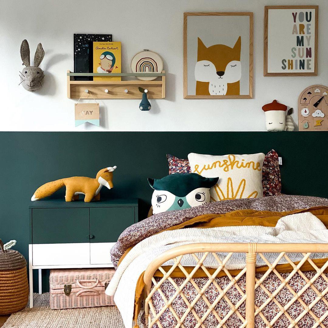 boy's room with fox décor
