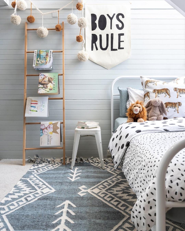 boy's rule wall hanging