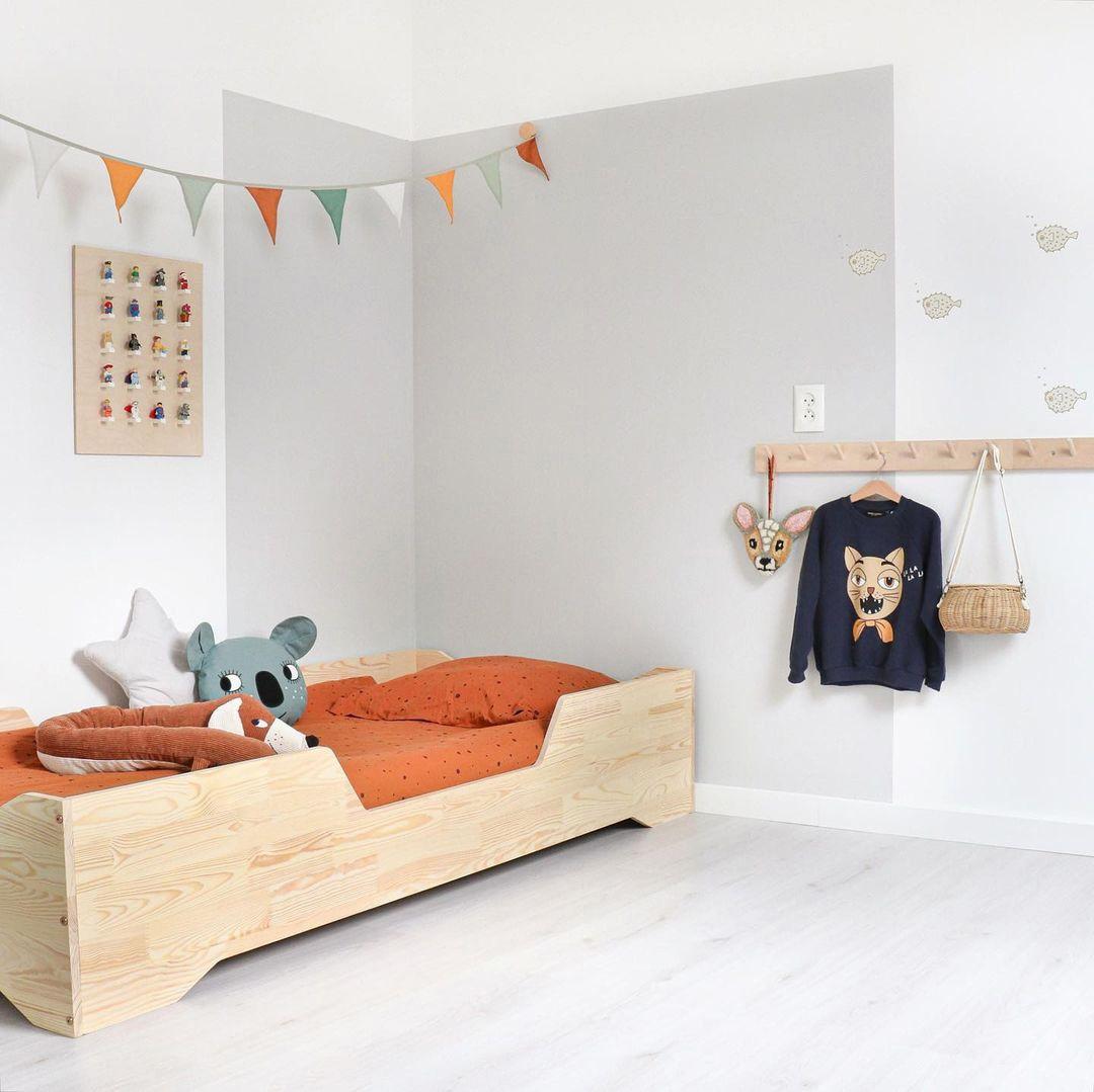 boy's room in orange tones