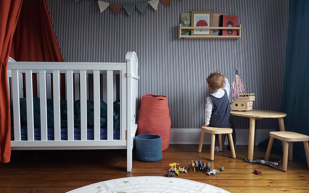 ROOMTOUR: HENRY'S STYLISH NURSERY IN RED AND BLUE