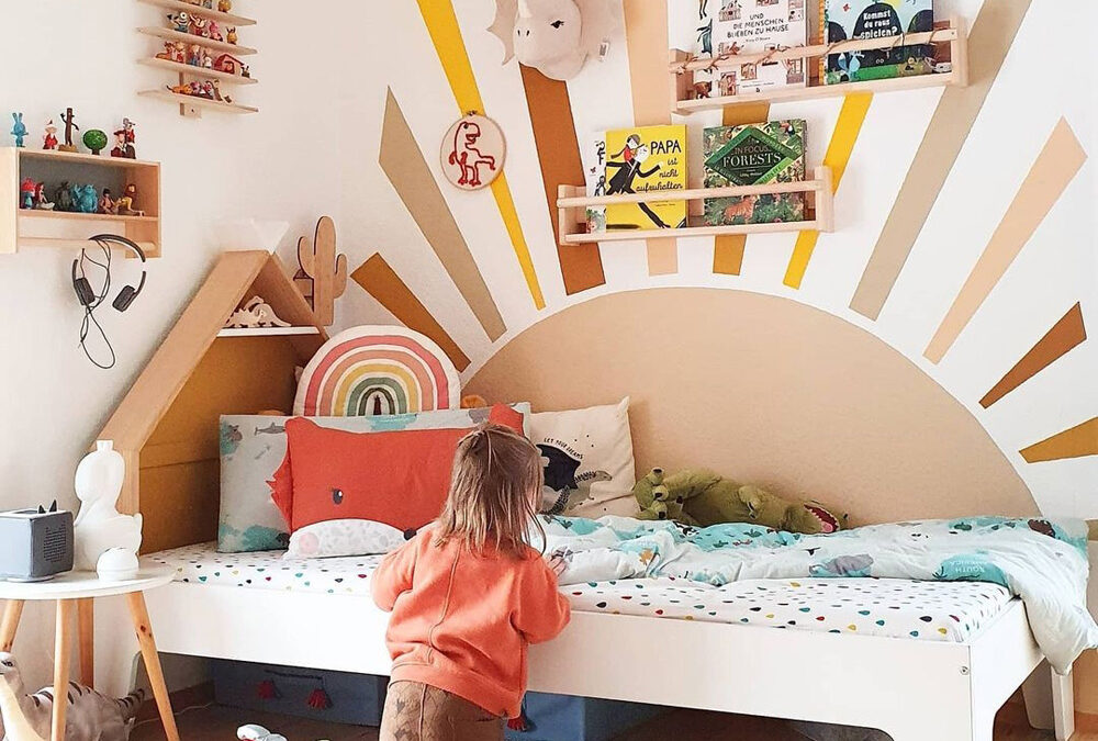 CHEERFUL AND OPTIMISTIC KIDS' ROOMS